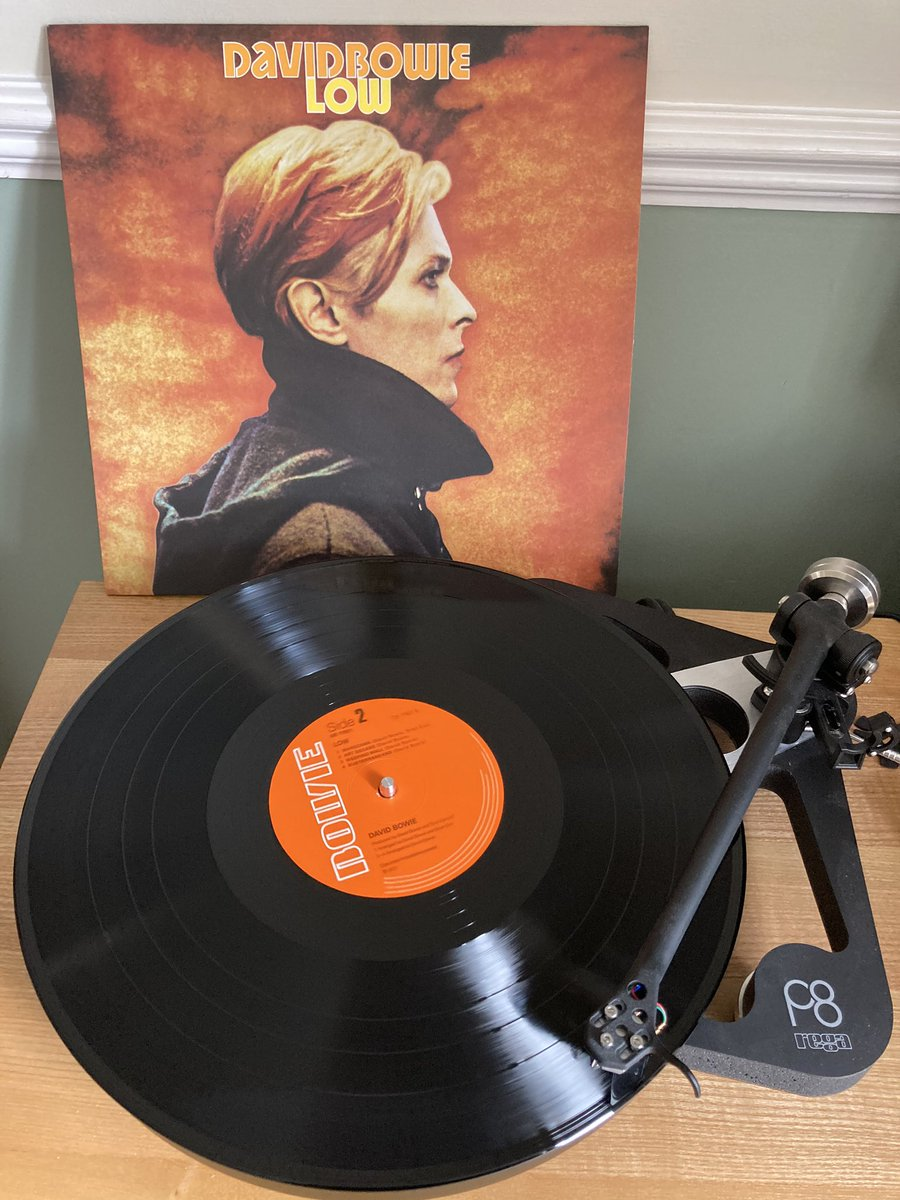 It's Bowie o'clock. Inevitable descent into obsession again after last week's tweetalong to the Glastonbury set. <br>http://pic.twitter.com/v8ecMXdjPY