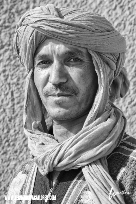 Berber portrait SILENCE, the Sahara desert! #sahara #portrait  #Morocco #silence #Dune #xpro1 #FernandoVacaflores #PhotoChronicles  @GalleryPhotoCh1   #phototour #fujifilm_xseries  @FujifilmEU   #ThroughStreets  @FujifilmX_UK  @FujifilmUS  @fujifilmfrance  @FUJIFILM_UKpic.twitter.com/oSsaBw8uwX