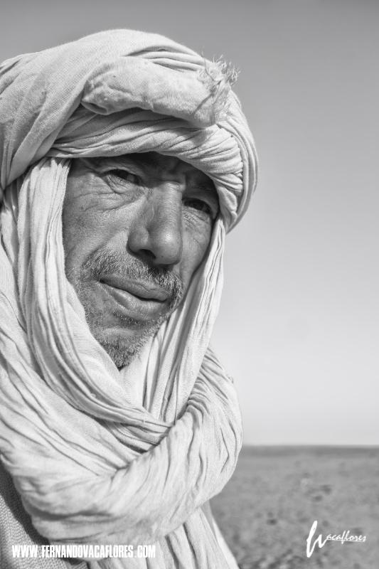 Berber portrait SILENCE, the Sahara desert! #sahara #portrait  #Morocco #silence #Dune #xpro1 #FernandoVacaflores #PhotoChronicles  @GalleryPhotoCh1    #phototour #fujifilm_xseries  @FujifilmEU   #ThroughStreets  @FujifilmX_UK  @FujifilmUS  @fujifilmfrance  @FUJIFILM_UKpic.twitter.com/peqbndoOet