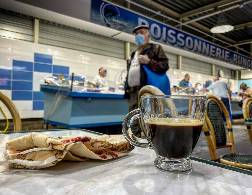 Bon dimanche!  #365cafésoupresque #cafe #coffee #instacafe #infinity_coffeebreak #mycafemood #coffeeoftheday #coffeelife #coffeegram #coffeeholic #instacoffee #coffeeaddict #coffeeshop #coffeecup #coffeelover #espresso #coffeedate #coffeebreak #coffeeti… https://instagr.am/p/CCQeV1hqNa_/pic.twitter.com/insD3jqghX