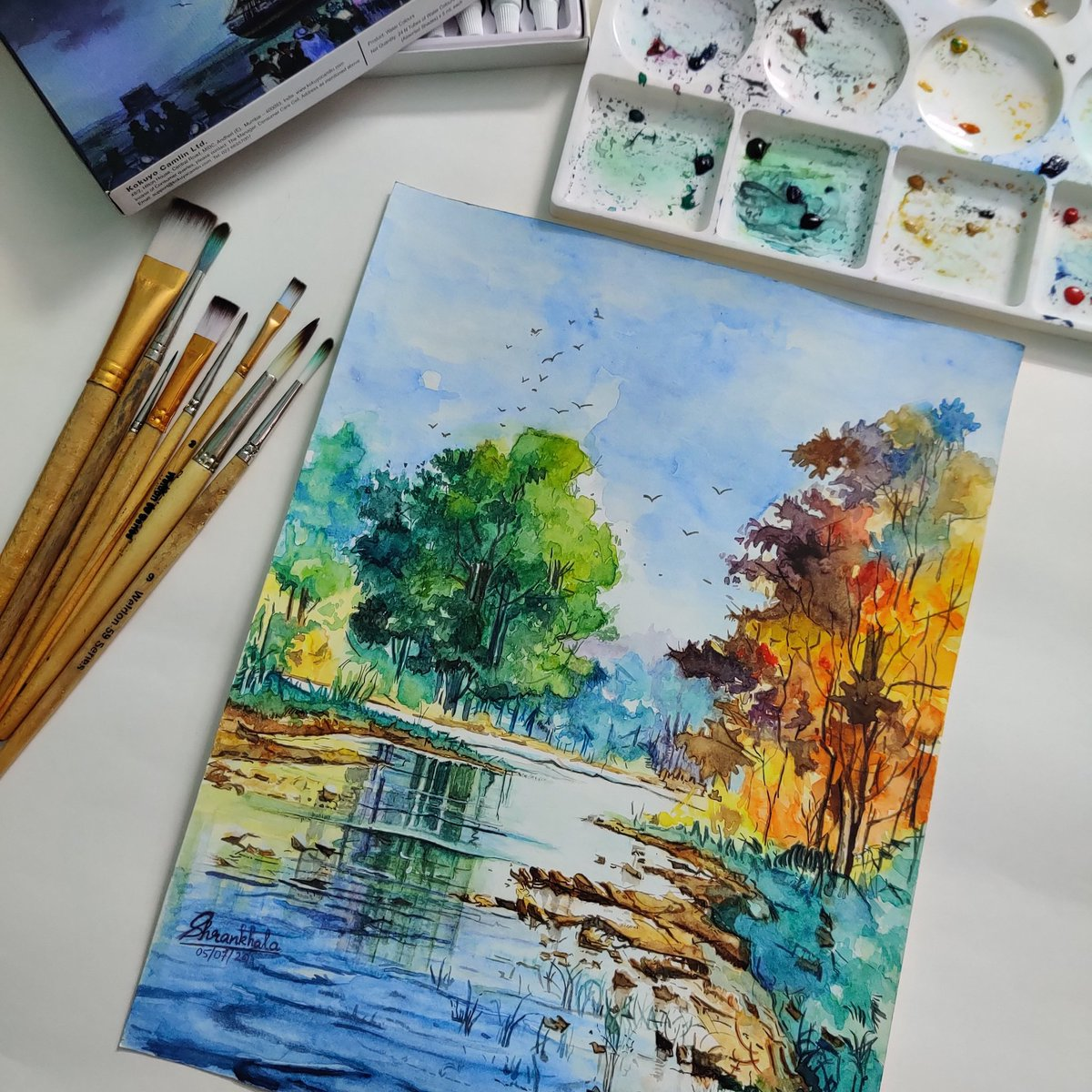 ART IS THERAPY #Watercolor #paintings #sundayvibes #watercolorart pic.twitter.com/a9jmXHwARY