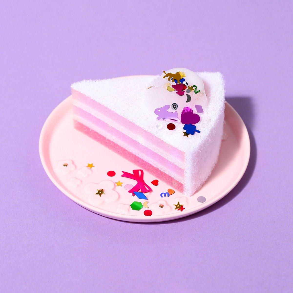 #Francfrancのある生活   流行りのオンブルケーキをキッチンスポンジにしました。柔らかな面と固い面に分かれているので食器にあわせて使い分けができます。女性の手にも握りやすい形状で、見た目だけでなく機能性も抜群のアイテムです。  ▼オンブルケーキ キッチンスポンジ https://t.co/KuIP0qvlkG https://t.co/C24FCmlJwN