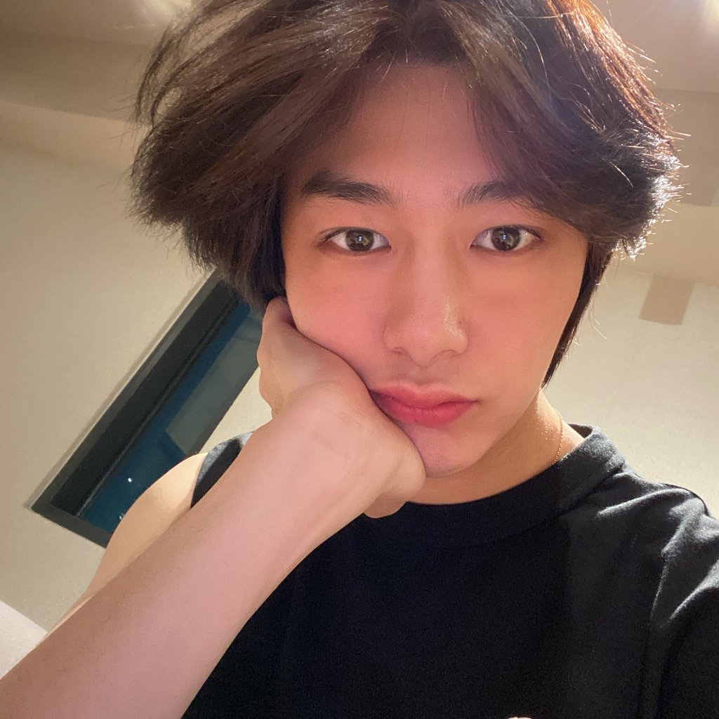 "200705 Hyungwon on fancafe  ""I had a good time today! But I speak so much about Kihyun  ㅋㅋㅋㅋㅋ"" <br>http://pic.twitter.com/kRzjQsb5Xs"