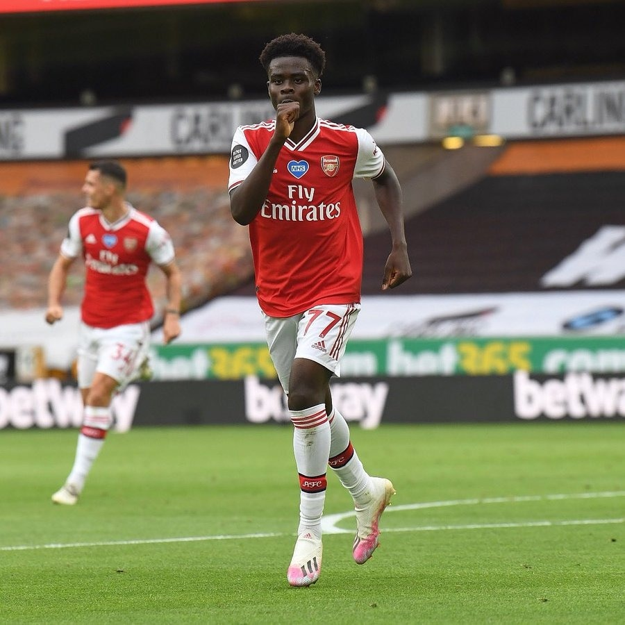 Wednesday: Signs new Arsenal contract Saturday: Scores his first Premier League goal vs Wolves and what a beauty it was.  Rate Bukayo Saka against Wolves on a scale of 1-10.  #brilafm #brilasports <br>http://pic.twitter.com/96WCkFdp26