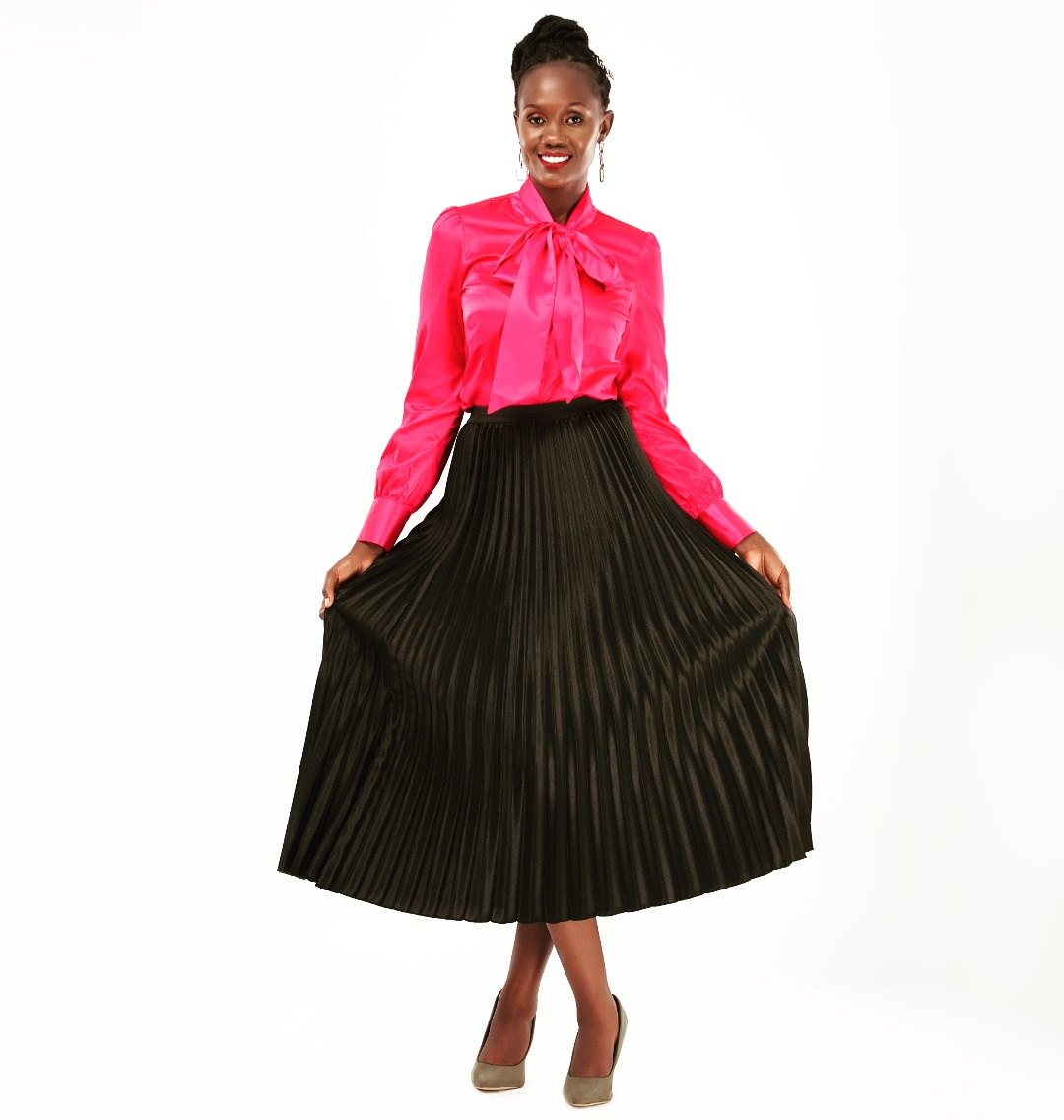 ....I just love to love you more. With my spirit and my soul. I just love to bless your name. I will worship you!   #worship #pink #pleatedskirt #happy #smile #blessedbeyondmeasurepic.twitter.com/NRVxFdWQTO