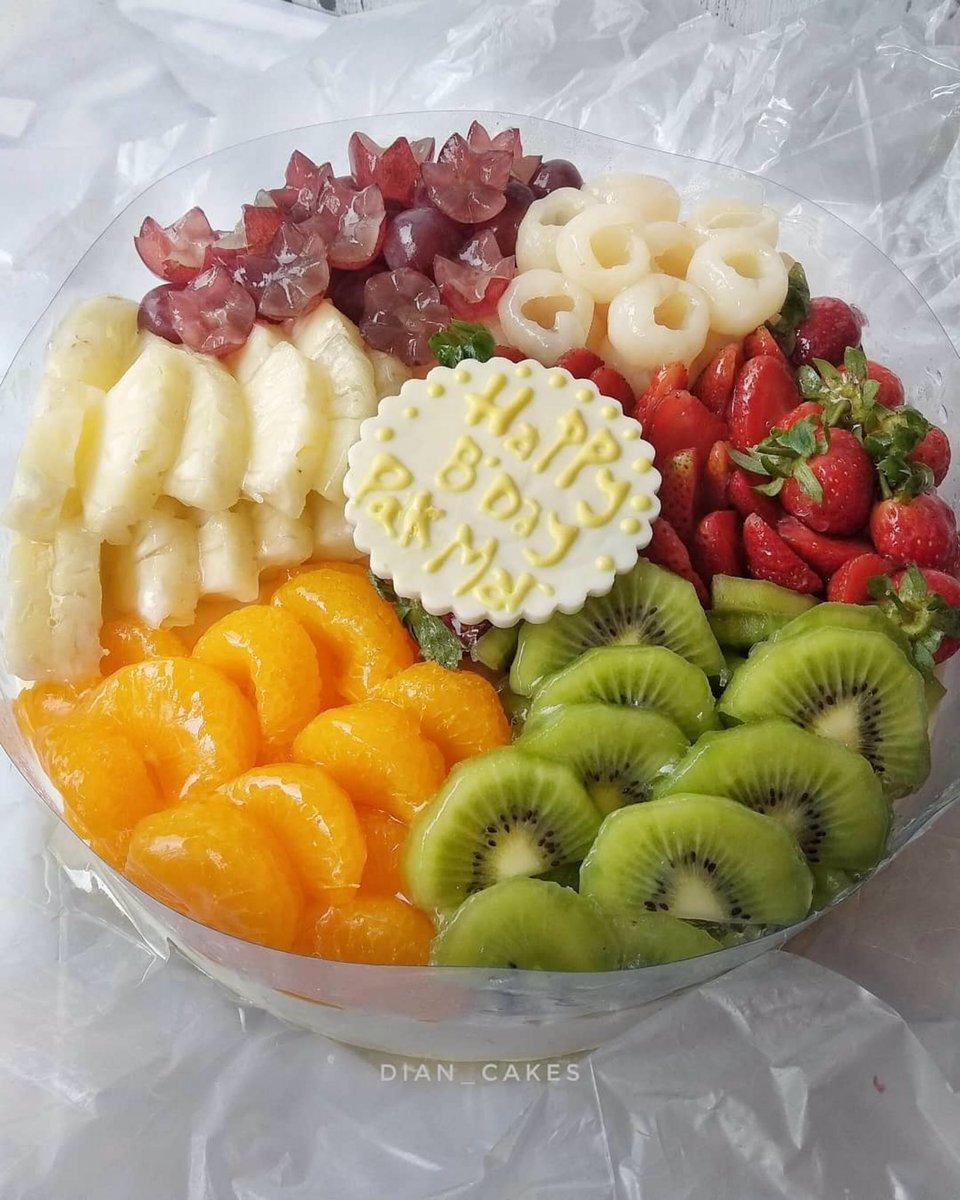 Terima kasih mba @filla_piul dan tim TJK sdh order puding susu buah. Semoga suka ya mba pudingnya    For order Telp/WA : 085887500275 or visit our Instagram : https://instagram.com/dian_cakes  #latepost  #pudingsusu  #pudingbuah #caketangsel  #cakeserpong  #caketangerang  #birthdaycakepic.twitter.com/LjXua0VXZ8