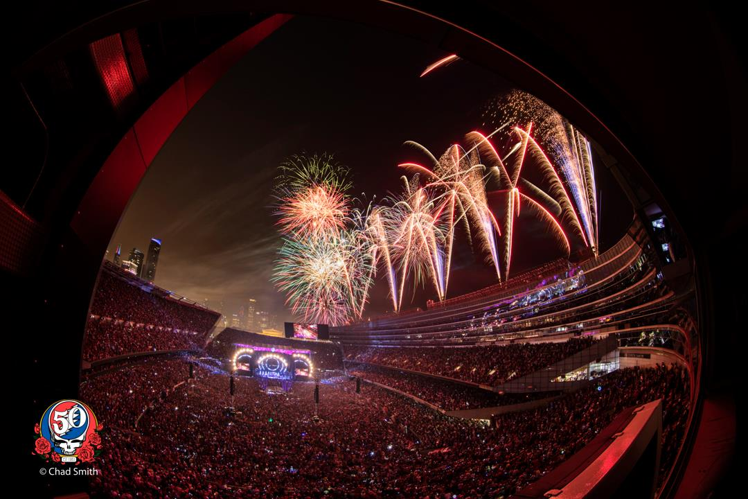 #TODAY! Relive all 3 nights of #FareTheeWell live from #SoldierField on the 5th Anniversary of this iconic run of shows at 12PM ET only on @fansbelonghere! Nothing left to do but smile, smile, smile and #RSVP now at https://t.co/1Me60h9qTo 💀⚡️🌹//  📷: Chad Smith https://t.co/YtvfGOFjSs