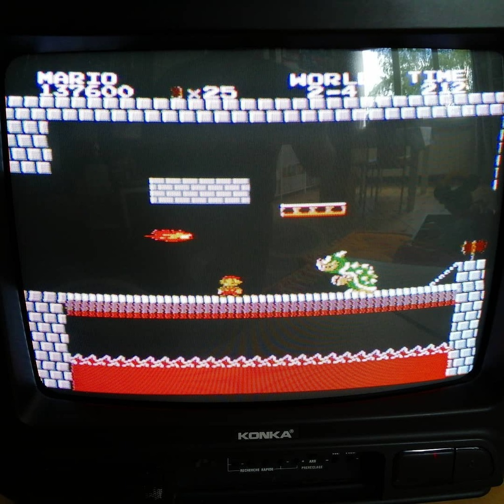 J'ai rebranché ma vieille TV qui a 30 ans, elle marche toujours aussi bien ! #supermario #supermariobros #nes #nintendo #nintendones #classicgaming #retrocollective #retrogaming #crt #oldtv #videogamepic.twitter.com/DCPQOEQR6O