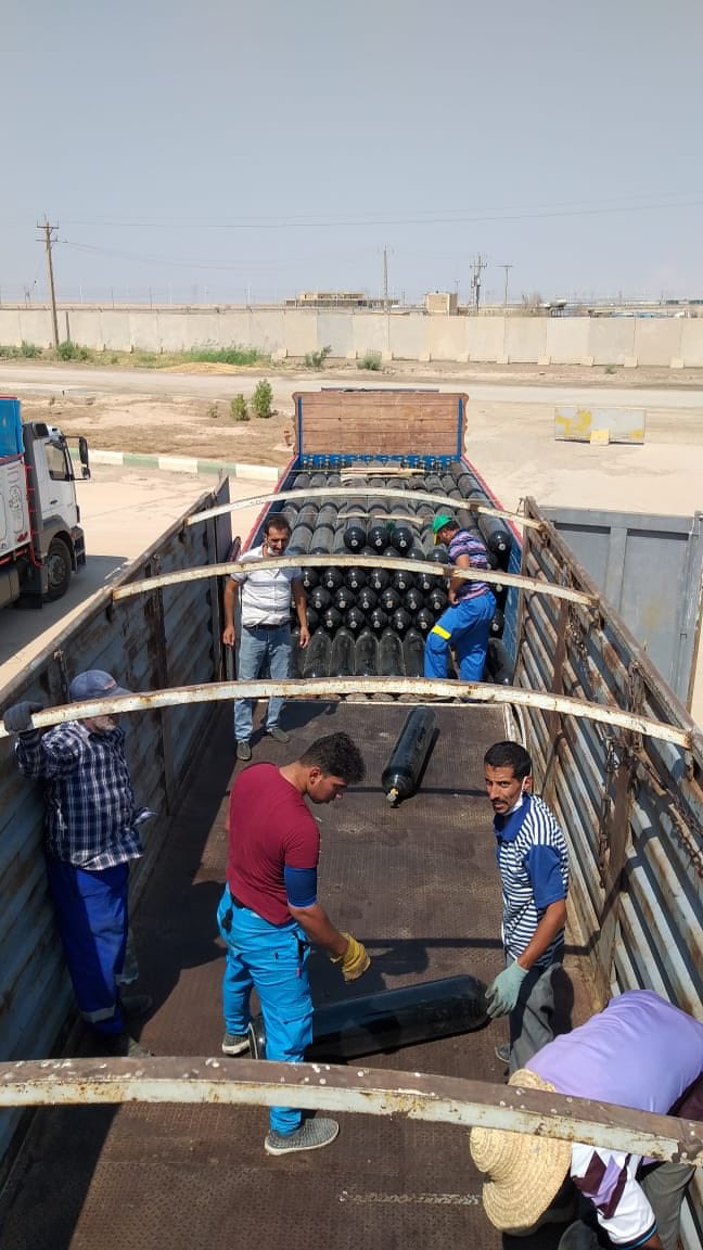 1100 medical Oxygen cylinders delivered to Basrah from 'under-sanctions' #Iran 🇮🇷 to Iraqi people with 4000 promised to help Basrah fight #coronavirus and protect lives  1st Batch: 500 2nd Batch: 600 recieved today https://t.co/CsShs0lksi