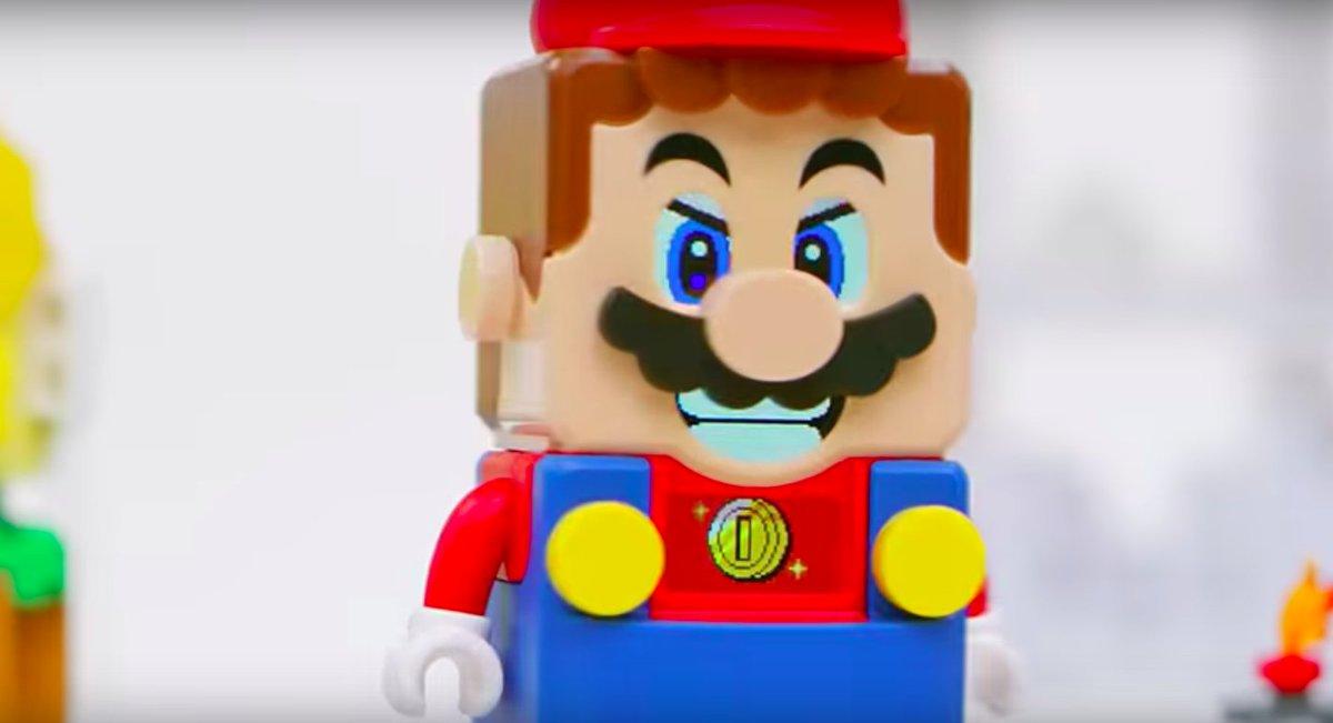 LEGO Mario supports BringBackNationalDex. <br>http://pic.twitter.com/cyNNIRetXV