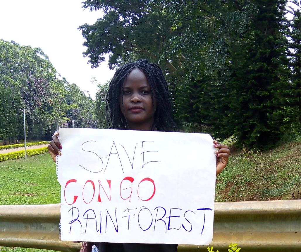 Palm oil plantations and other commercial agriculture operations are a growing threat to Congo's forests #SaveCongoRainforest<br>http://pic.twitter.com/jYzKf6OCkn