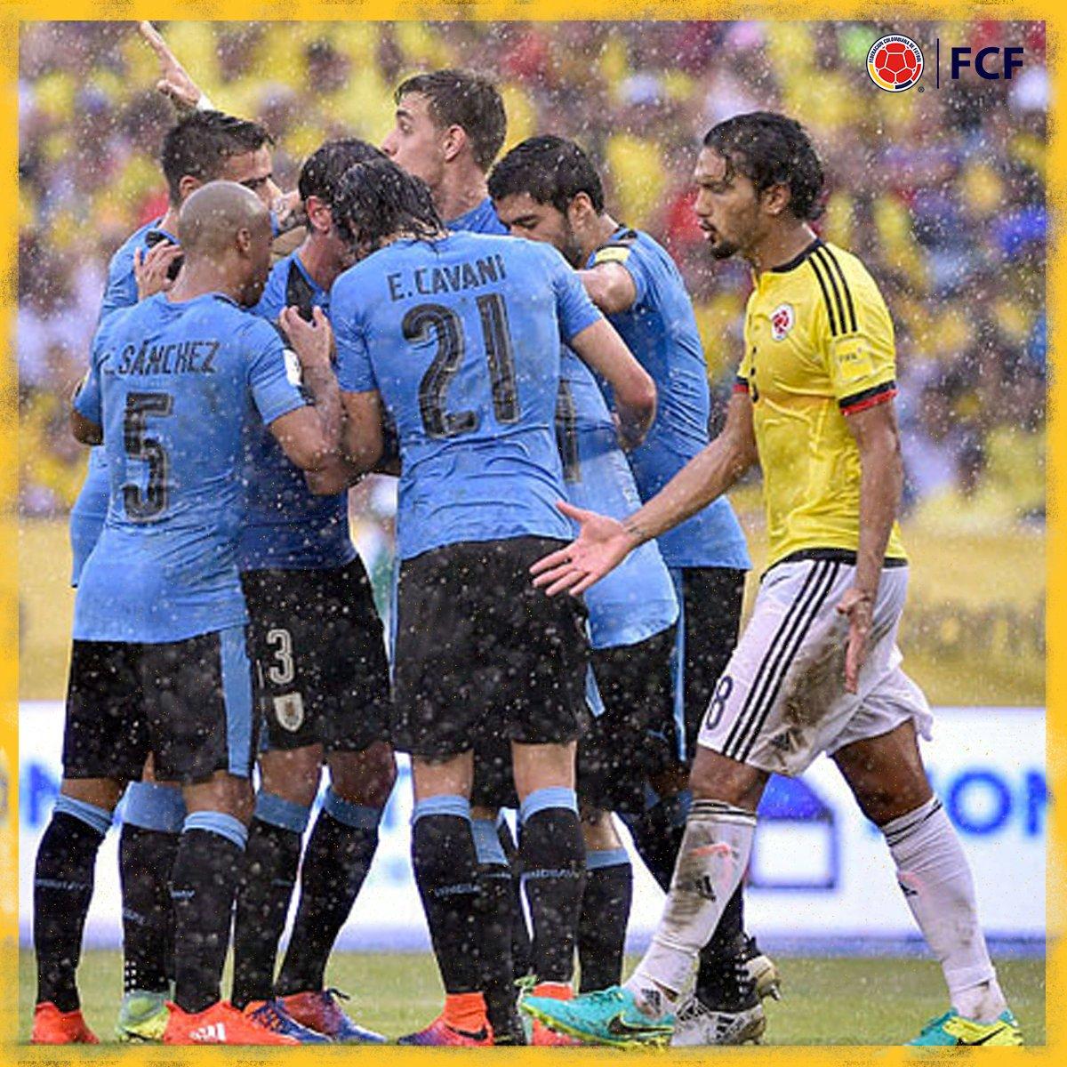 Gol de Uruguay  Cristian Rodríguez marcó de cabeza el descuento para el equipo celeste  🇨🇴1⃣-1⃣🇺🇾  #EnModoEliminatorias #ViveElGolCaracol https://t.co/Beok4l3BOB