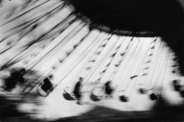 London Festival Garden, Ostende, 1950  Ernst Haas (1921 - 1986) pic.twitter.com/tKrYCBZj6m  by Zbiggi