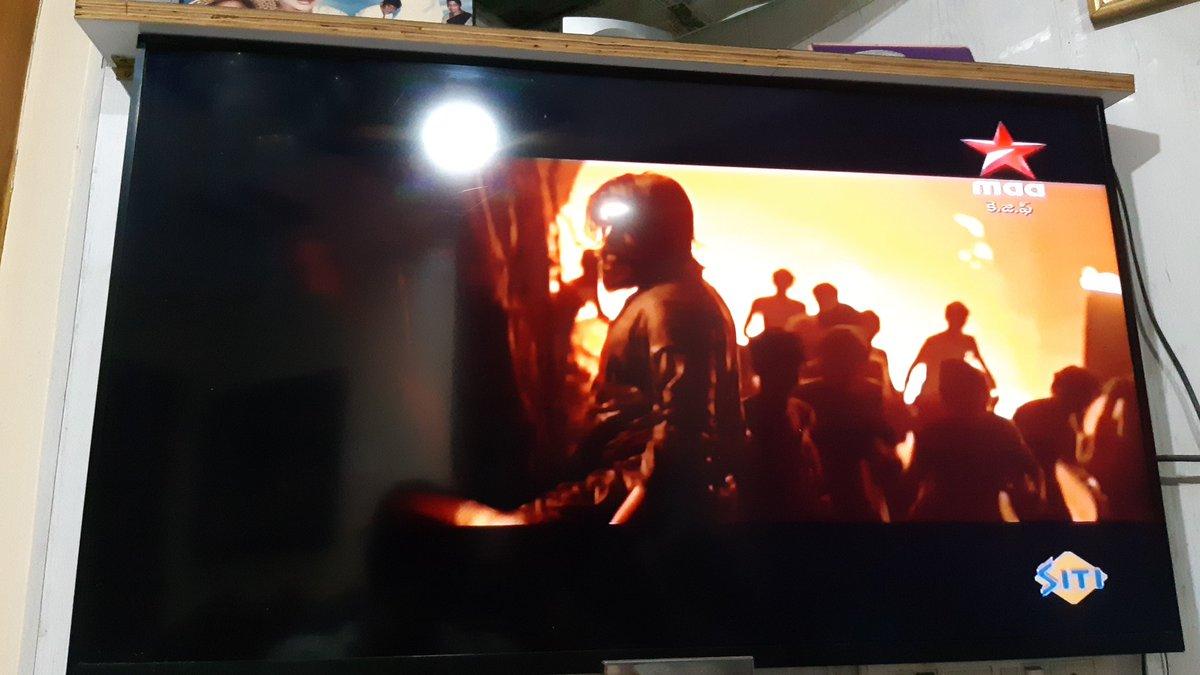 ఇది మొదటి అధ్యాయం మాత్రమే ........!  అసలు కథ ఇప్పుడు మొదలు అవ్తుంది 🔥  Completed Blockbuster #KGFChapter1 Movie On Star Maa   Expecting HUGE TRP..........!!!!  @TheNameIsYash Boss 🔥  #KGFChapter2 On The Way 😉 https://t.co/amvzlo653A