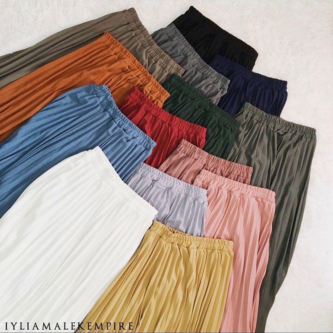 goodnight everyone  - zaraa pleated skirt _ 1pcs RM59 - #pleatedskirt #iyliamalek #teamiyliamalek #skirtlawa #iyliamalek #skirtiyliamalekpic.twitter.com/2pjlOfrgT9