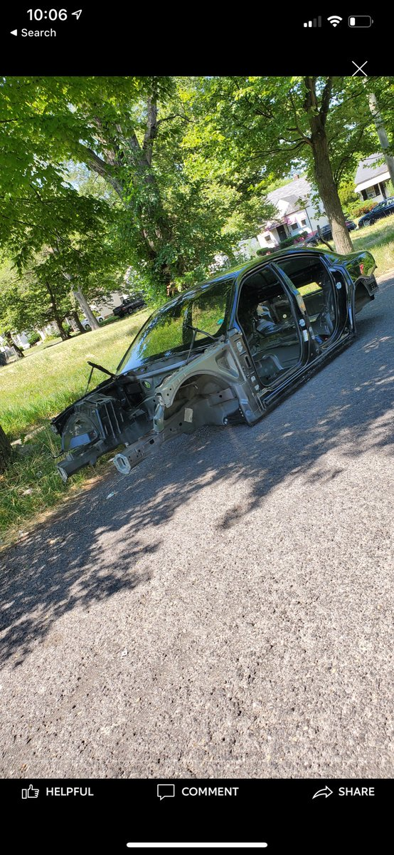 Stripped vehicle in the area of Michigan and Cass Ave. #CrimeInTheD https://t.co/TcA2PsMTD4