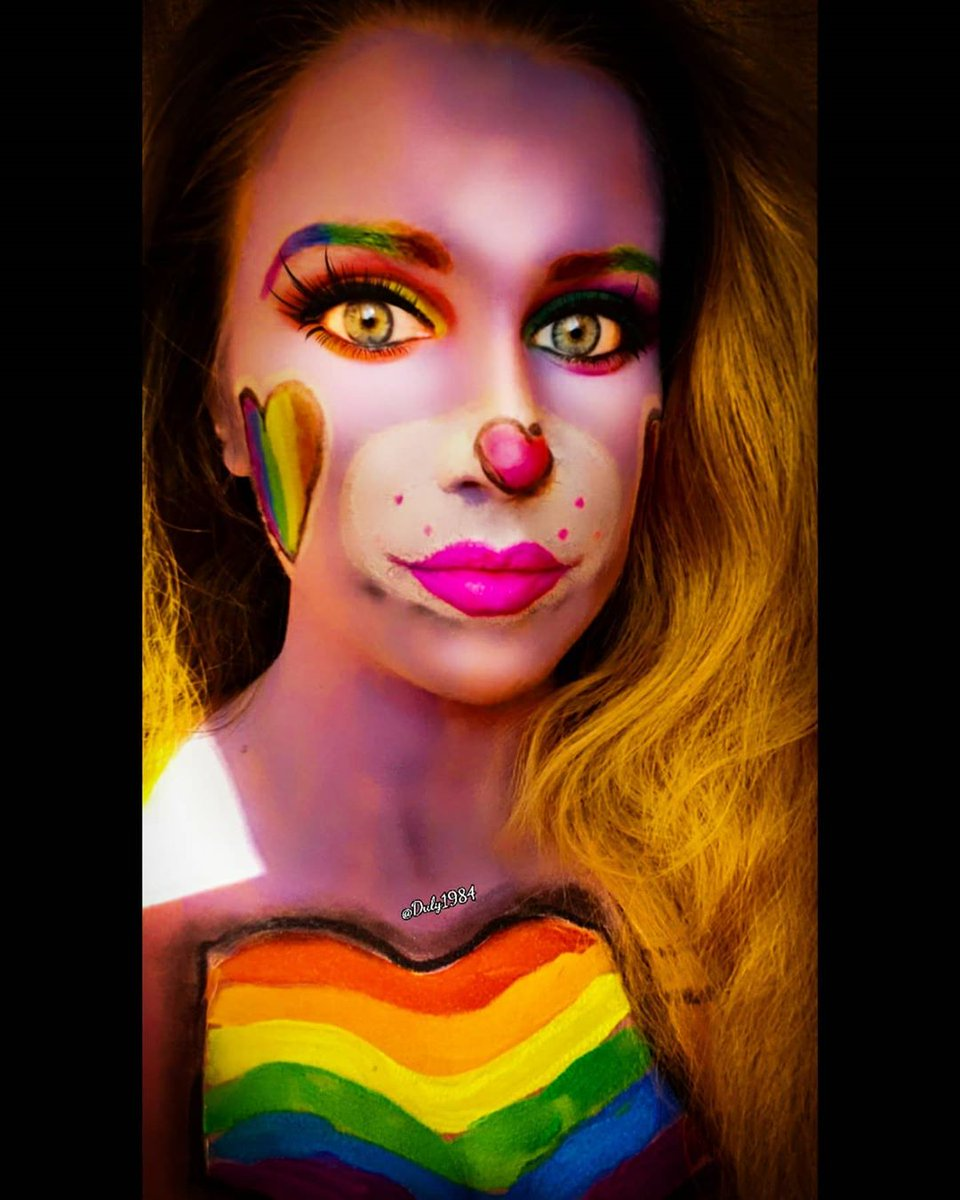 This beautiful look has been created by @duly1984 to support #Pride.  .. We love to see your incredible designs, keep tagging us!  You can shop our products through the link on our Instagram page! .. #Pride2020 #Creativemakeup #Facepaint #Brightmakeuppic.twitter.com/JiASOG3Ptl