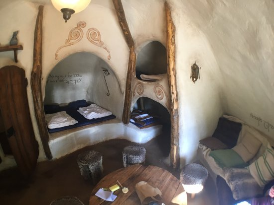 """""""in a hole in the ground there lived a hobbit"""" No joke: this is where I'll be sleeping 3 nights next month. Thrilled! #Hobbiton #Hobbit #Tolkien #LordOfTheRings #SecondBreakfastpic.twitter.com/N4zGw0NIwv"""