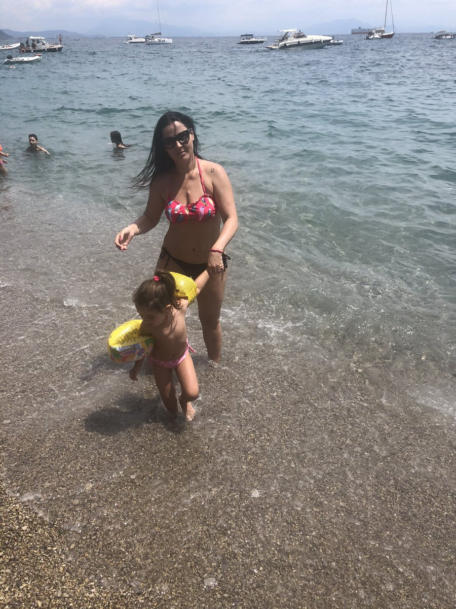 Vitamin Sea #AmalfiCoast #SouthItaly #Sunday #Mummydaughtertime pic.twitter.com/eY3frn0N8a