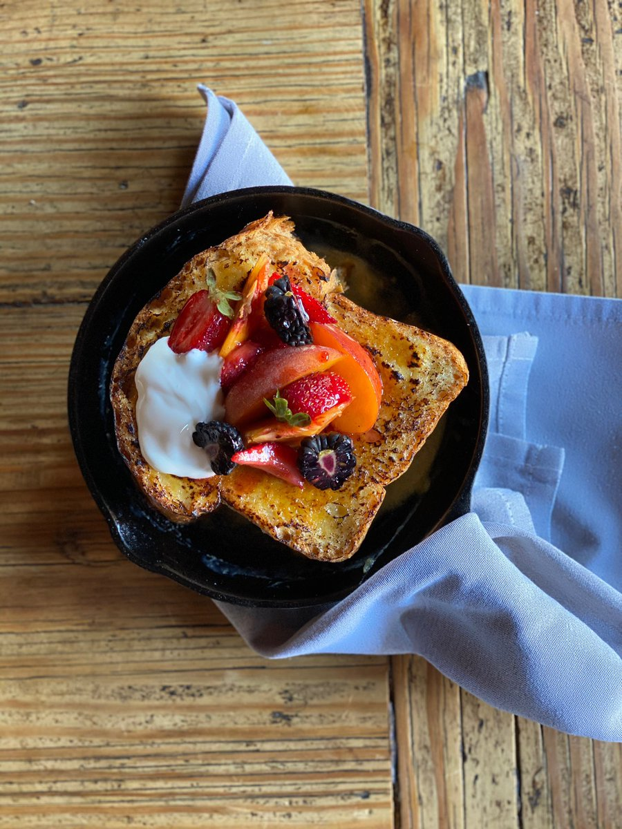 French Toast is back!! #DineIn #TakeAway and #Delivered to your door!! https://t.co/qXAMIihL7X for details  #aoc #brunch #frenchtoast #brunchonthepatio https://t.co/SmJJlj7Wj9