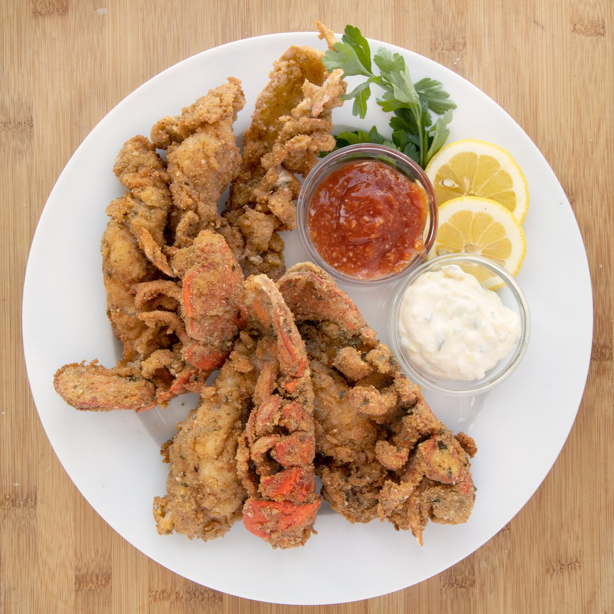 When it comes to seafood, lobster is the king. And my fried lobster tails is the perfect restaurant-style dish to showcase these sweet petite lobster tails.  #foodie #seafood #lobster #chef  Recipe Here -> https://t.co/O2TgxBhlv9 https://t.co/XwBEJqXu7u