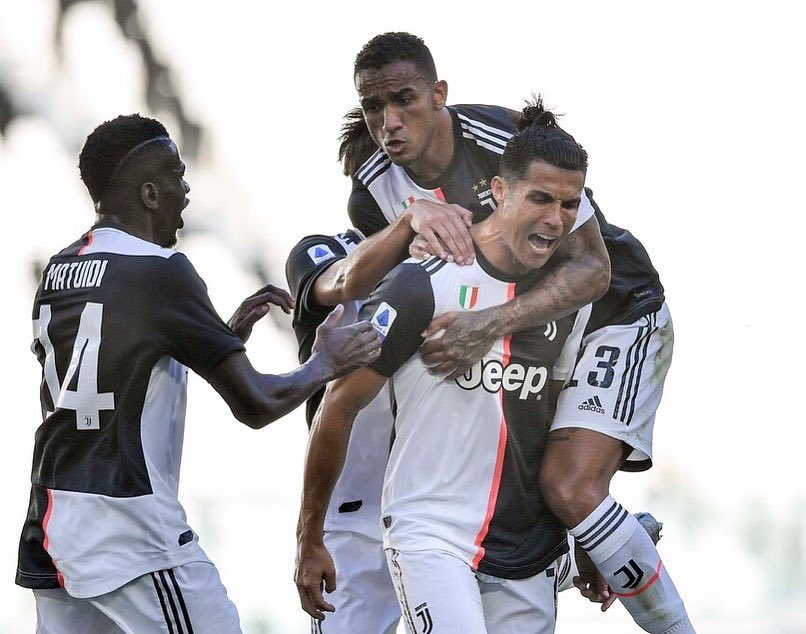4⃣0⃣+ goals in the first two Serie A season (since 1999/00) 4⃣8⃣Shevchenko 🇺🇦 4⃣6⃣ CRISTIANO RONALDO 🇵🇹(8 matches remaining) 4⃣6⃣Milito🇦🇷