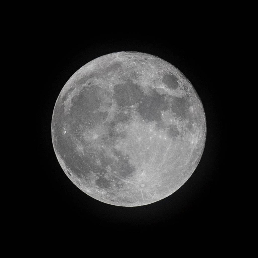 Waning Gibbous.  Midnight full moon.  #Smoon #Full #Moon #FullMoon #canon #canoneos #canonmy #canonasia #6dm2 #100400M2L https://t.co/NaRA126Huc