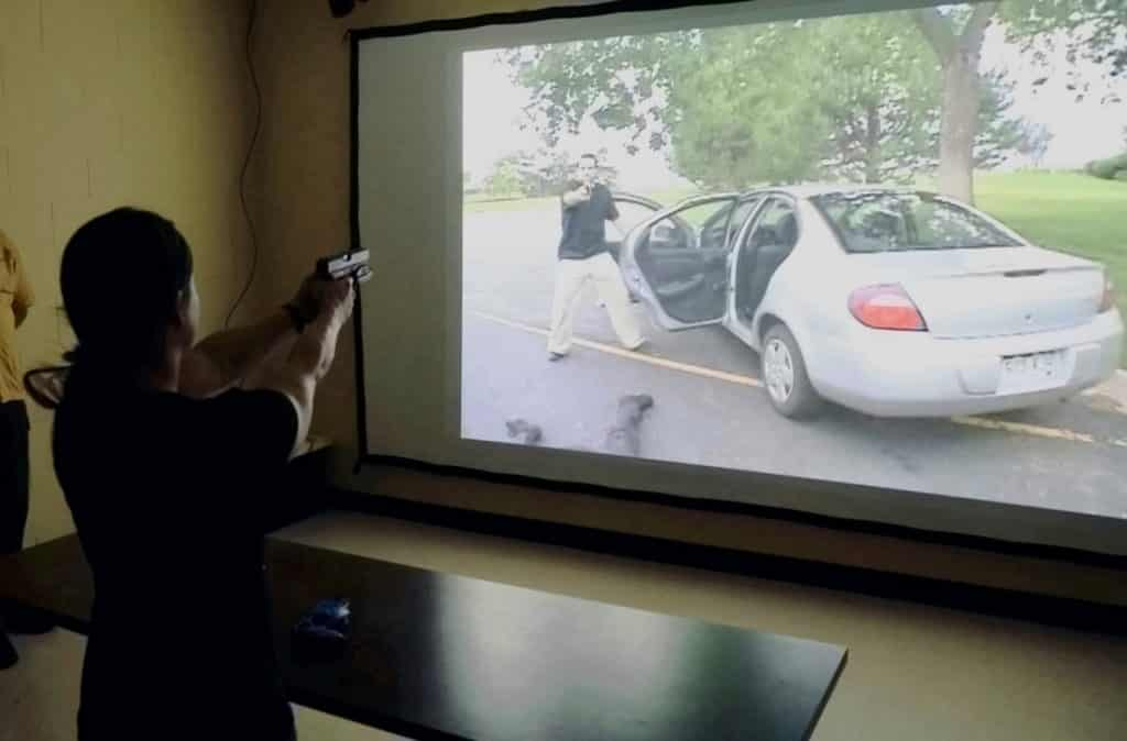 Can You Make a Shoot or Don't Shoot Decision in 2 Seconds?  http://bit.ly/2qGq3jZ  #firearms #guns #concealedcarry #ccw #alwayscarry #selfdefensepic.twitter.com/LPbJcni0re