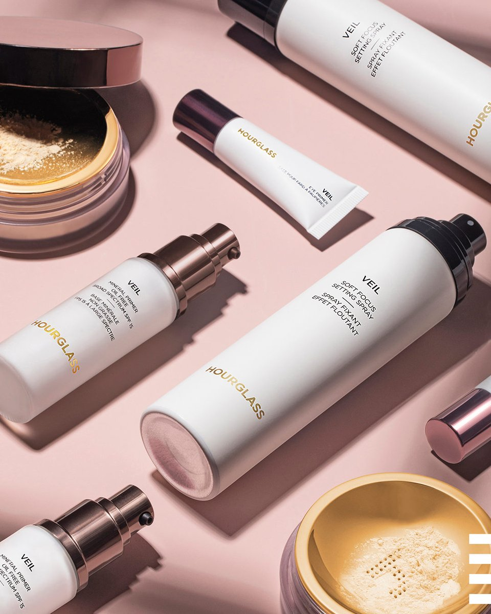 Shout-out to the @hourglassmakeup Veil collection for giving us that perfect stays-put-all-day radiance we're always after ✨ You get us and our glow goals, and we love you for it. Send a ❤️️ if you agree. https://t.co/484HSz8ElC https://t.co/8YsoAaAxnN