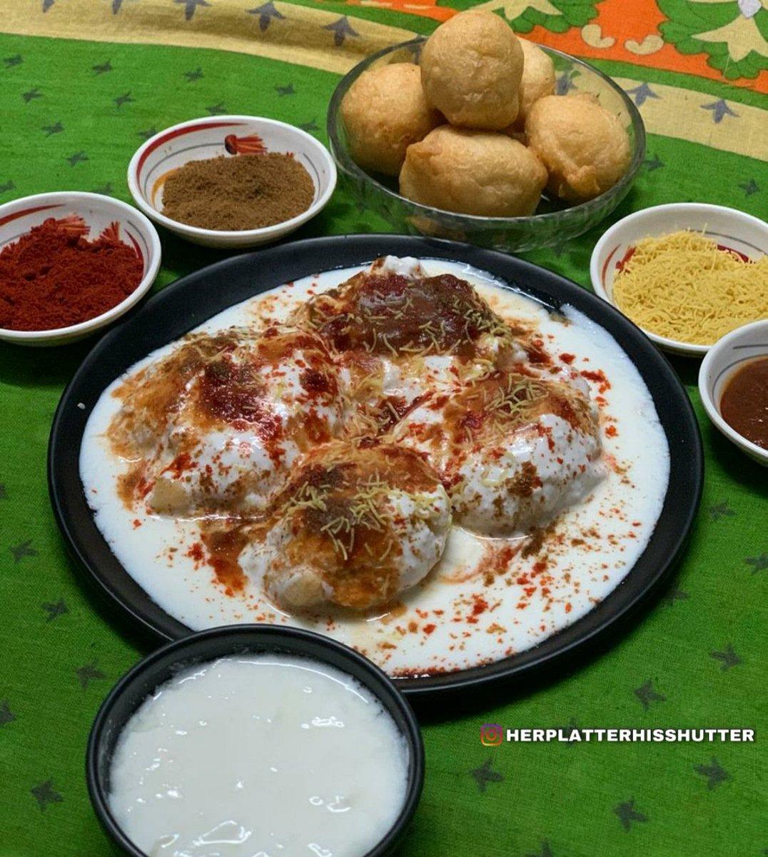 Yummy Homemade Dahi Vada 😋  Pls like my post n page on insta    #instafood #foodporn #foodphotography #dahivada #dahibhalla #loveforfood #foodlovers #desifood #indianfood #indianfoodrecipes