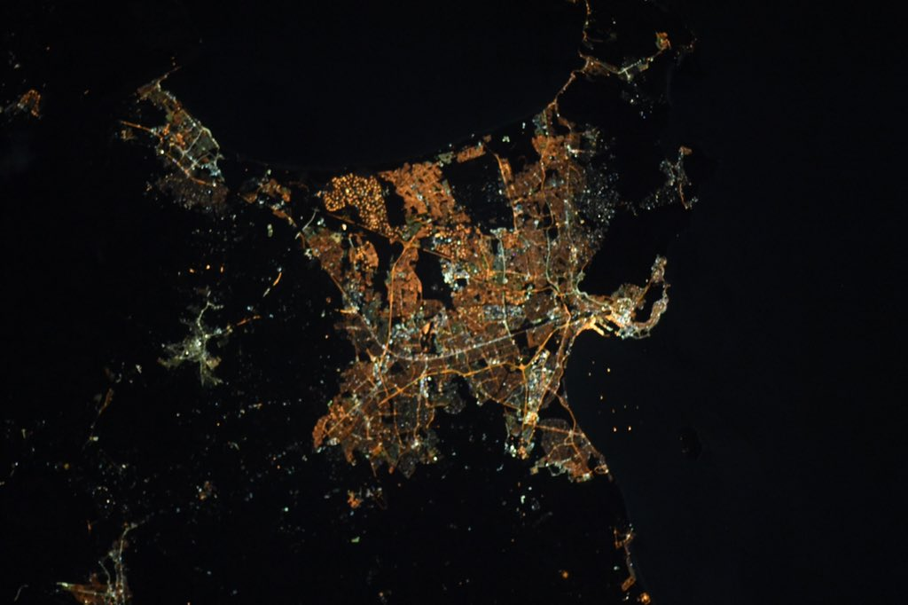 South African cities at night.  Cape Town, Johannesburg, and Pretoria. https://t.co/Eo2BaOJyvq