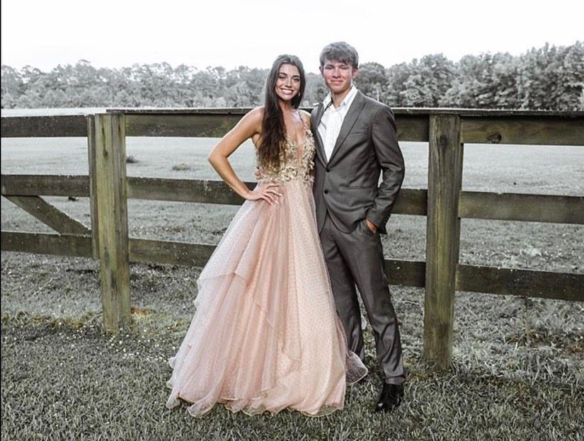 How cute are they?! #repost @rayleekay and Ryleigh. For style information, visit: https://t.co/6J8EXWOWIe  📸: @rubieandjaneformal  #alycegirl #latteballgown #promdress #promdresses #promgoals #2020prom #ballgown #eveningwear #formalwear #gala #formal #slayprom #alyceparis https://t.co/ZVFI6cFV3t