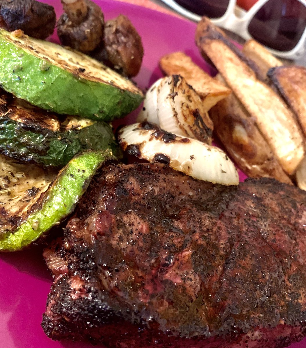 Coffee and garlic rubbed steak with grilled vegetables, oven baked potato wedges, and a blackberry vodka slushy!  #Dinner #July4th #Keto #Blogger #FoodPics #InstaFood #FoodPorn #FeedFeed #Foodie #PhotoOfTheDay #Delish #Healthy #Biologique #Biologico #GlutenFree #Brunch #Recipes