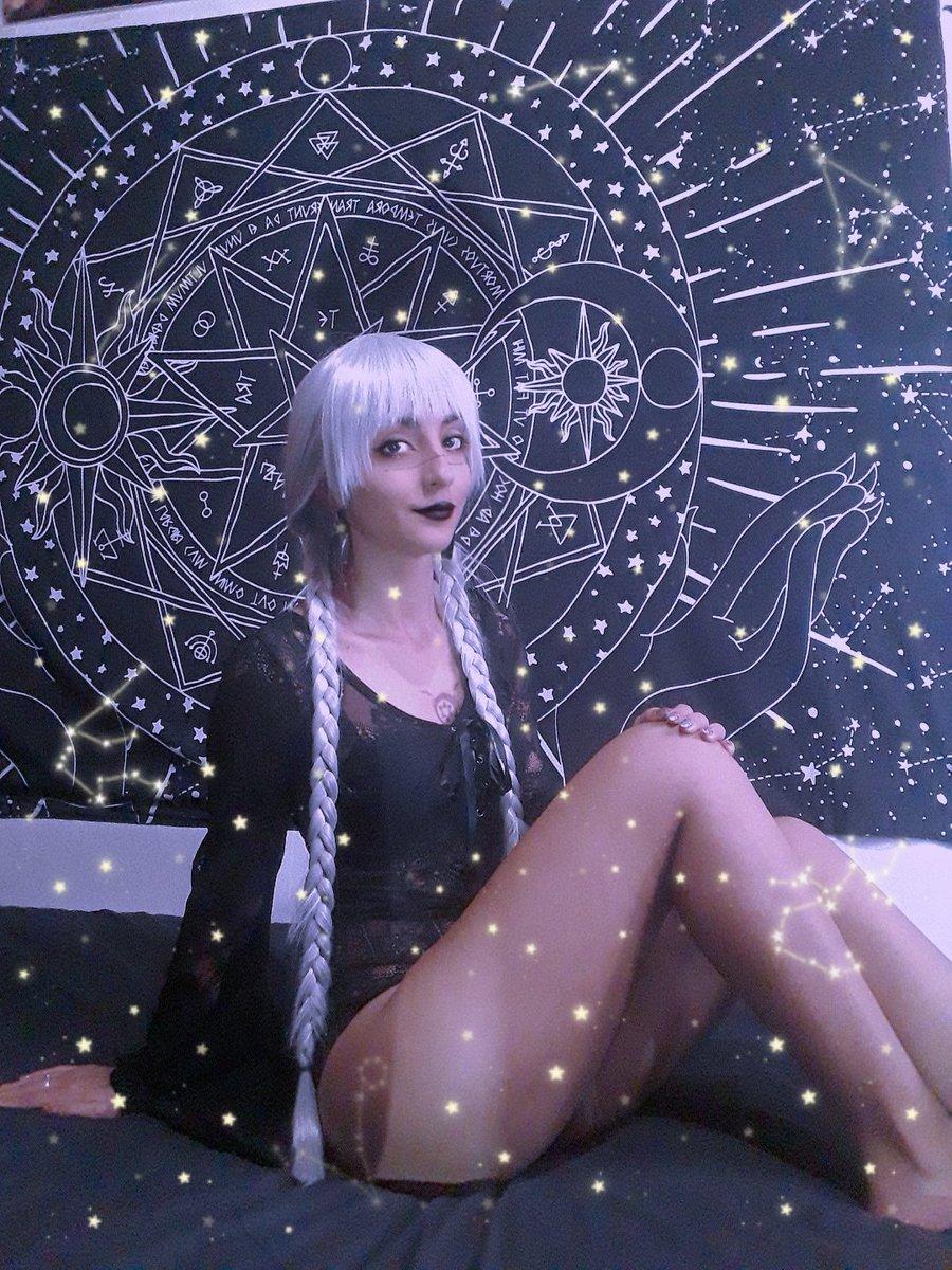 galaxia  . @killstar . #alternativocr #alternative #alternativegirls #gothicgirl #gothgirl #gothic #gothstyle #gotica #darkgirl #gothicworld #alternative #alternativegirl #alternativefashion #gothfashion #wicca #witch #vampi #killstarco #wewearkillstar #wearekillstarpic.twitter.com/I7ezwLDF6p