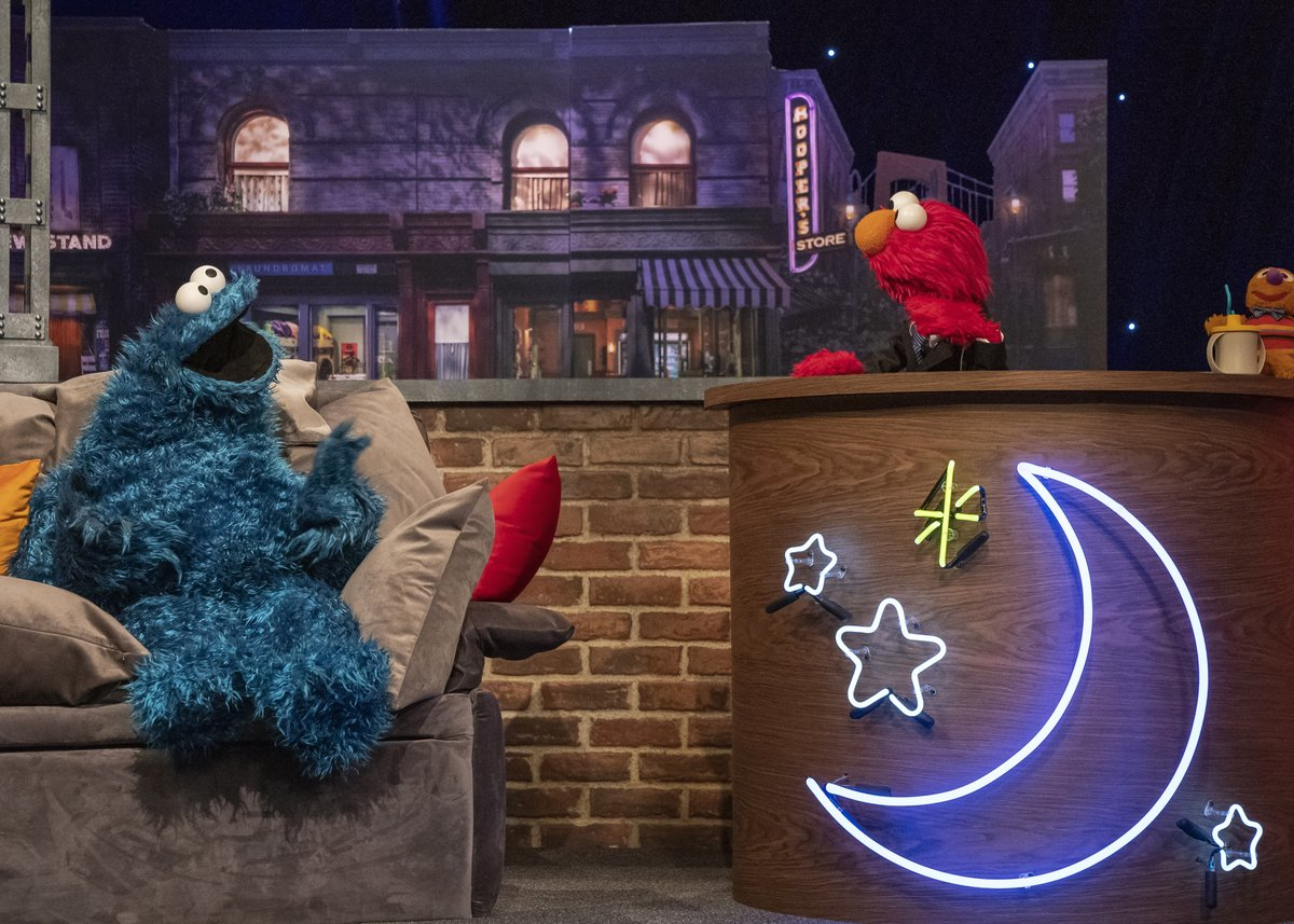 Join the Sesame Street gang for singing, dancing, games and more – all before bedtime! Watch The Not-Too-Late Show with @Elmo, streaming now on @hbomax. #NotTooLateShow https://t.co/HuSzCnwjTe