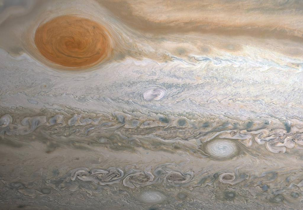 While Jupiters Great Red Spot has churned in the planets atmosphere for many years, the feature at the center of this @NASAJuno image is brand new. Called Clydes Spot, the storm named after its discover, amateur astronomer Clyde Foster. go.nasa.gov/3iycPPC
