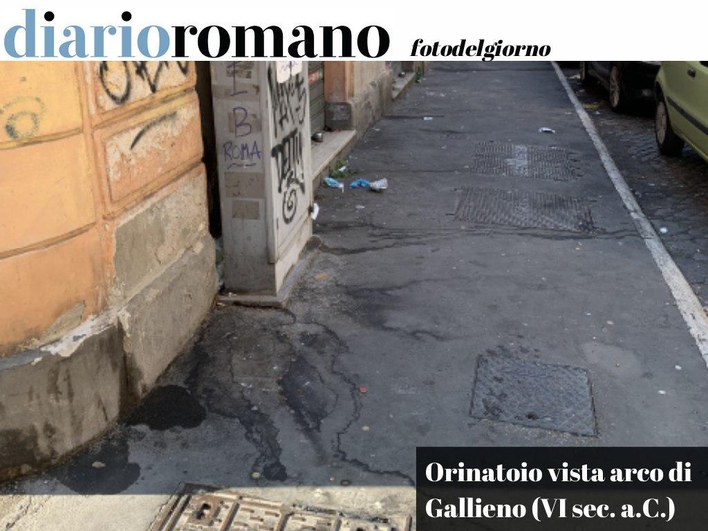 """test Twitter Media - Via Pellegrino Rossi, all'Esquilino, un orinatoio e """"defecatoio"""" a cielo aperto a pochi passi dall'arco di Gallieno (parte delle mura serviane del VI secolo a.C.). Urge presidio fisso #AMA❗ . #Roma #foto #lettori 📸 https://t.co/OHS4MryqfS"""