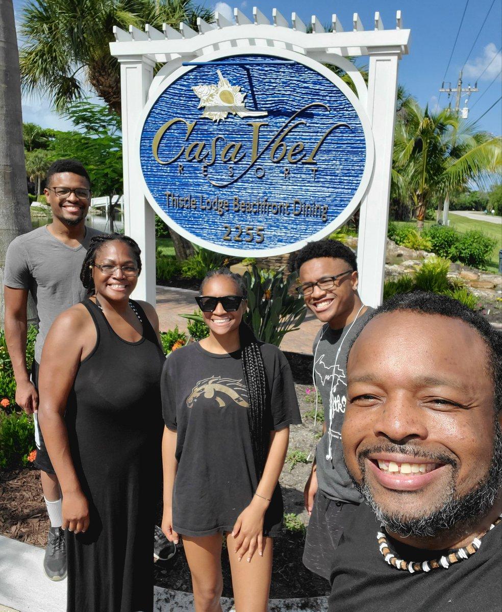 WE HAD AN AWESOME TIME!  Huge thanks to @CasaYbelResort for having us last week in Sanibel. Your facilities & staff were superb. We all enjoyed ourselves. Thanks Again!#EnjoyingLifeAlways #HappyFamily #FamilyGoals #Travel #Sanibel #SanibelIsland #Florida #CasaYbel #CasaYbelResortpic.twitter.com/zRNqH3gU1K