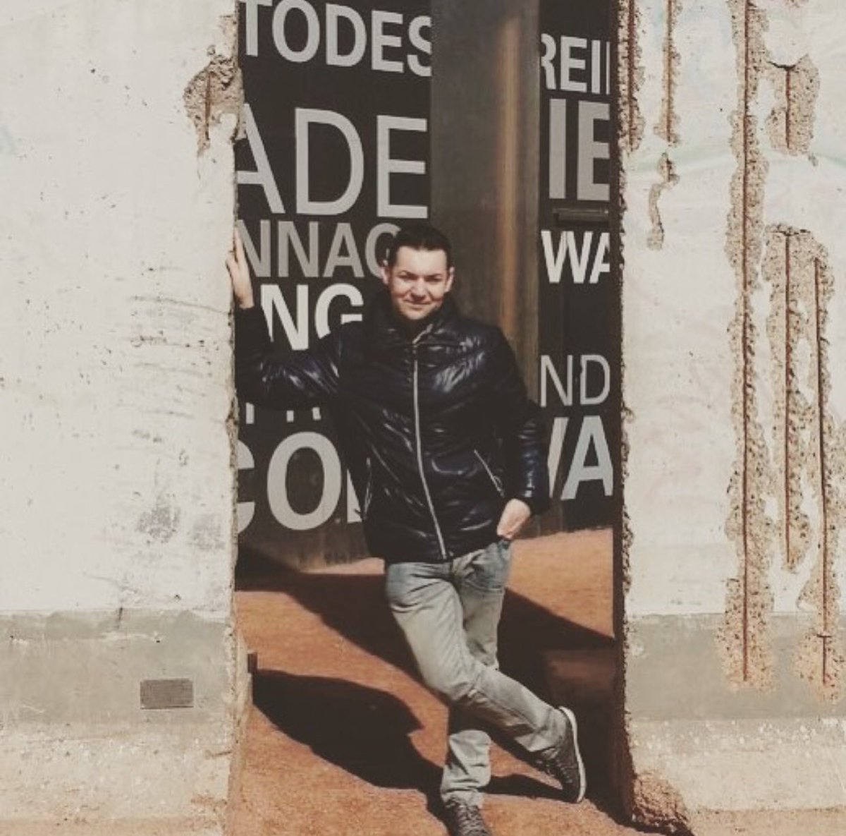 I resti del muro di Berlino #berlin #deutschland #holiday #vacation #photoftheday https://t.co/f3KLnPo8ay