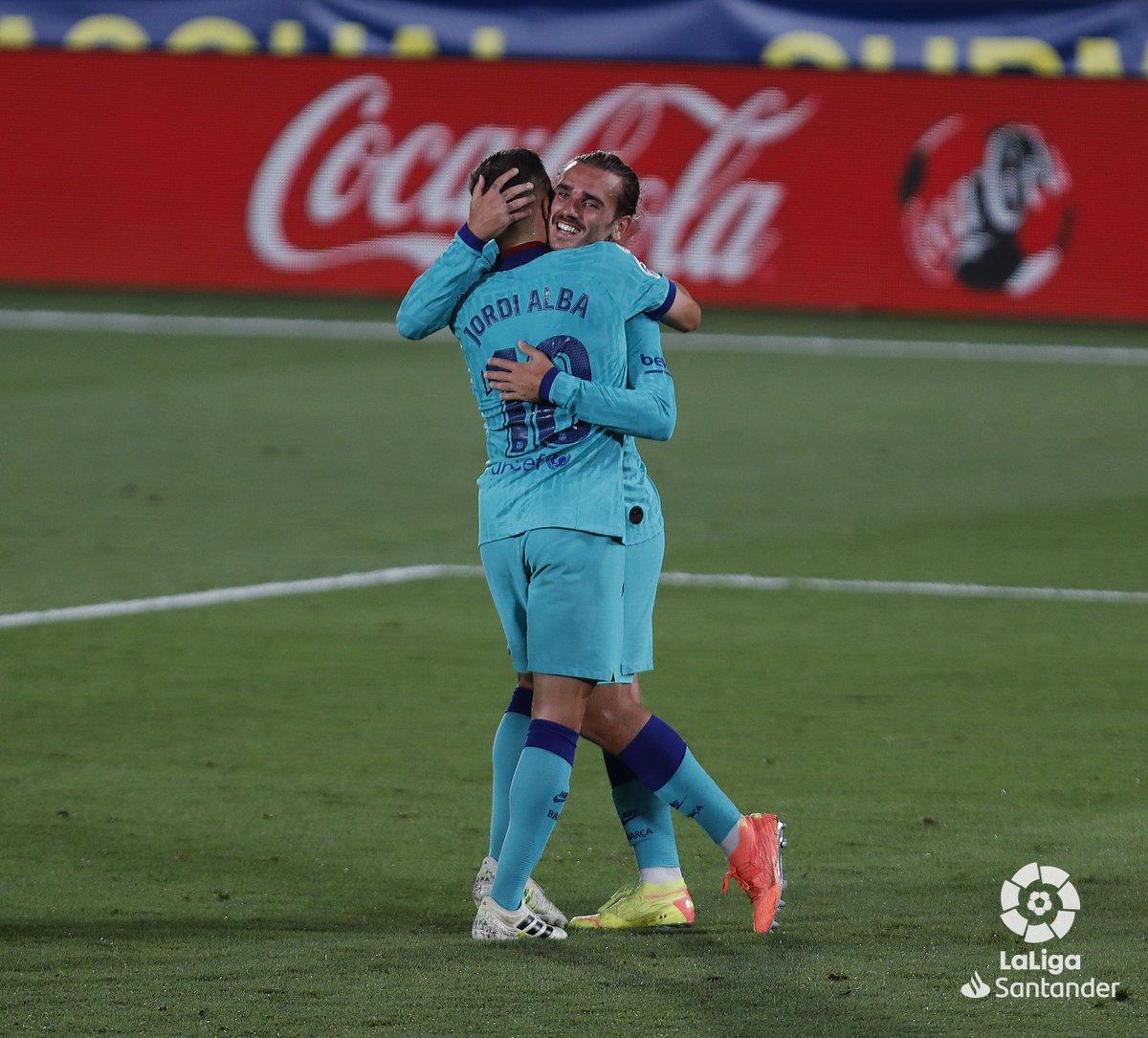 👑 Un PRINCIPITO feliz.  ¡Define con un emoji el golazo que ha marcado @AntoGriezmann!  #VillarrealBarça https://t.co/QYw4cmyrW3
