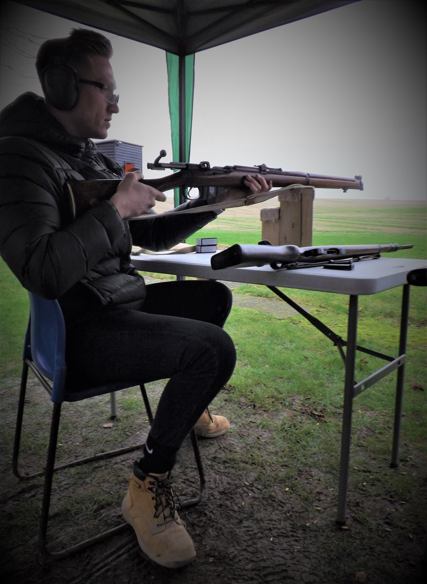Reliable! The Lee Enfield in its many guises was the standard infantry rifle of the British Army for half a century #skillatarms #vyv #vyvyan #daysout #ww2 #pewpew #instasports #gamer #shooter #amazing #family #nature #nofilter #life #vscocam #followforfollow #fitness #swag #sunpic.twitter.com/eMGlgKeWyR