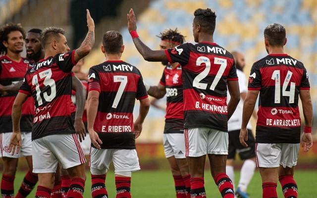 ¡Flamengo a la final del Taca Rio! Con un doblete de Bruno Henrique, venció 2-0 a Bolta Redonda y jugará la final ante Fluminense. El Mengao, camino a otro título en Brasil. https://t.co/FUMupkXx5x
