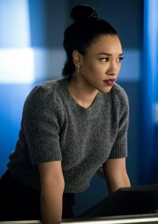 Miris before that legendary fight w/Iris's husband in 6x17 - #TheFlash https://t.co/DXo9YcoJkL