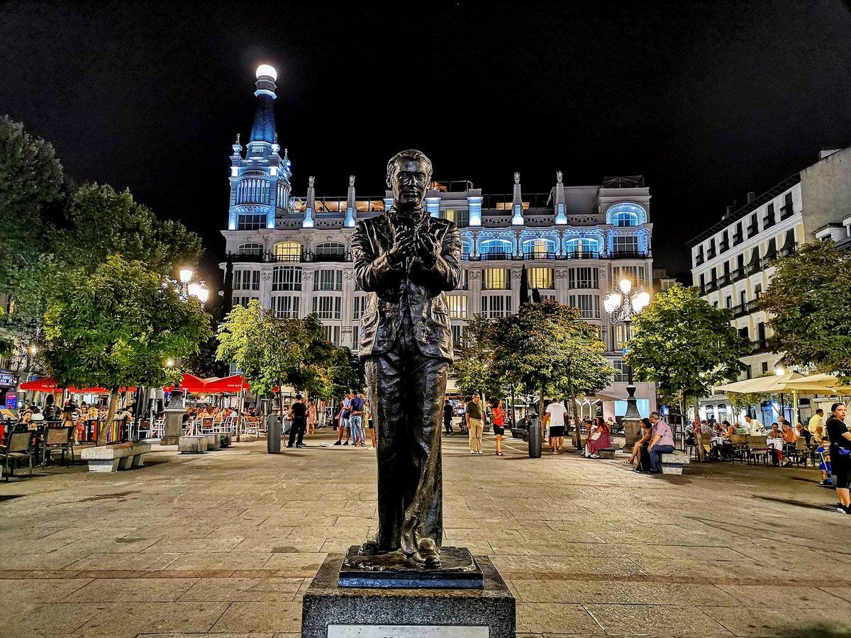Buenas noches ❤️ #madrid  (foto de archivo, no actual) https://t.co/GcUm0mrjO3
