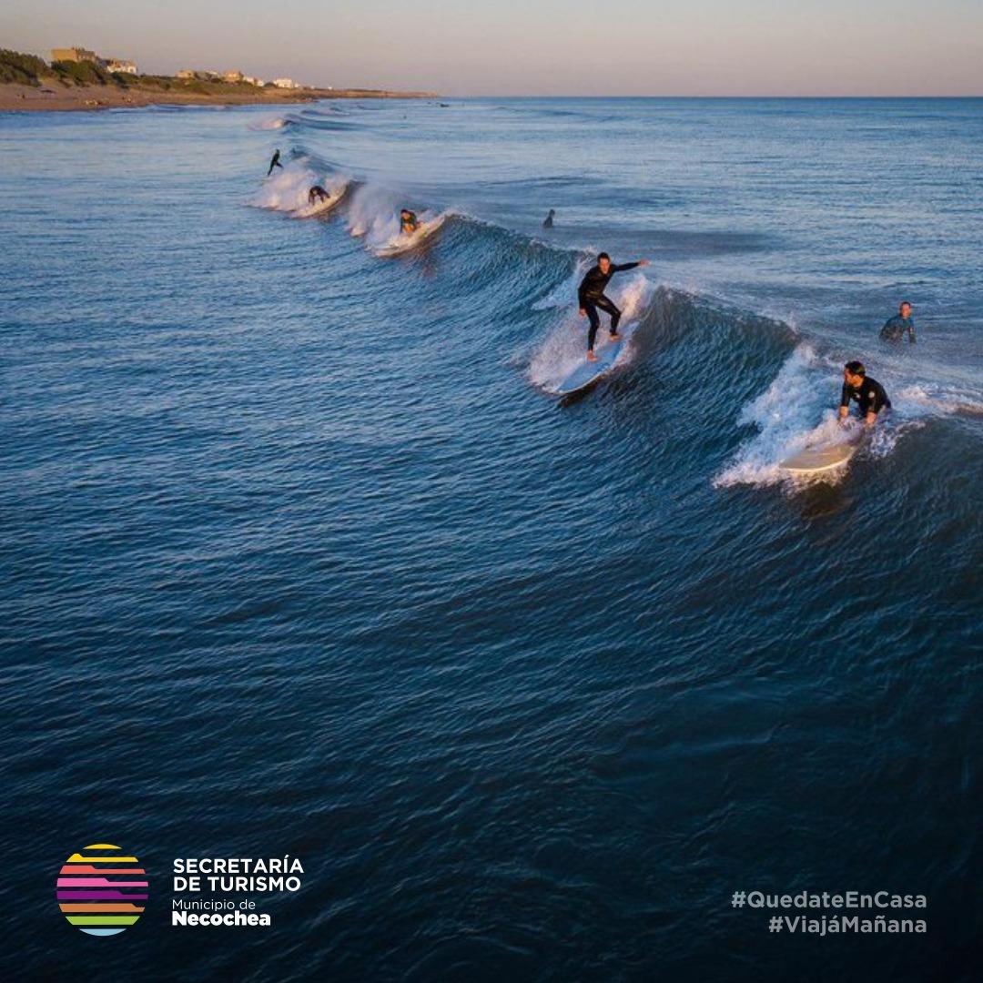 Invierno desde el agua, el paraíso existe 🌊  #NecocheaTeEspera #QuequenSurf #Costa #Surf 🏄♀️ #SurfPh #Playas #VolverAViajar 🏖️ #ViajaMañana #LaMejorPlayaArgentina 🌅 https://t.co/ouzxJS3veY