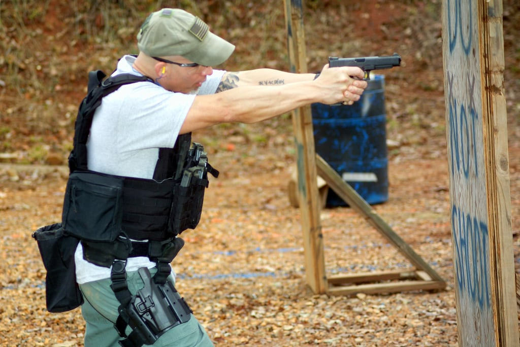 Shooting Around Cover: An Essential Defensive Skill  http://bit.ly/2FS6LOw  #firearms #guns #concealedcarry #ccw #alwayscarry #selfdefensepic.twitter.com/MargqvKTOb