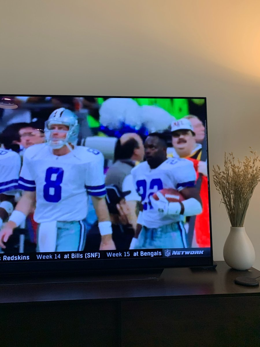 . @BarstoolBigCat just spotted a young Air Dugs cutting his chops as a member of a chain gang watching the 92 cowboys. Crazy how far he's come! https://t.co/h7IYeALBvV