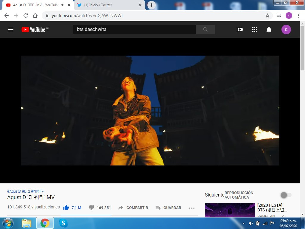 """""""I'm a King, I'm a boss"""" Daechwita (movimiento de cabeza) @BTS_twt  #ARMYStreamBattle_D2  #YoutubePartyWithBTS_D2<br>http://pic.twitter.com/XSspQoy7P3"""