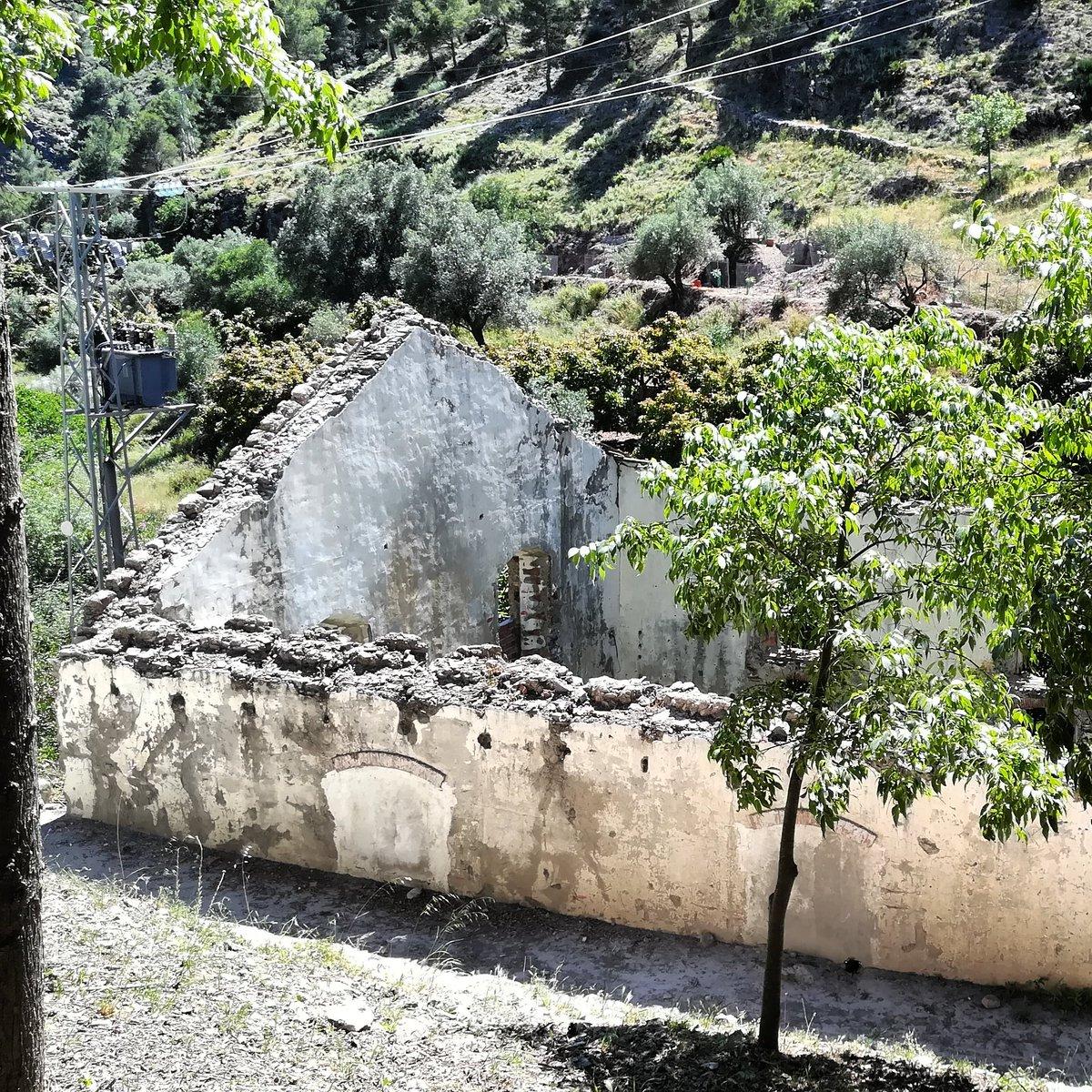 En Fábrica de la Luz, Canillas de Albaida, Málaga. #fabricadelaluz #konmegan #canillasdealbaida #mountain #pozasdeagua #ruinas #Málaga #montaña #megustaesterincon #pueblosdemalaga #naturaleza #lifestyle #nature #blogstyle #senderismo #senderos #Senderista #lovemountains pic.twitter.com/VIPnDRAMKB