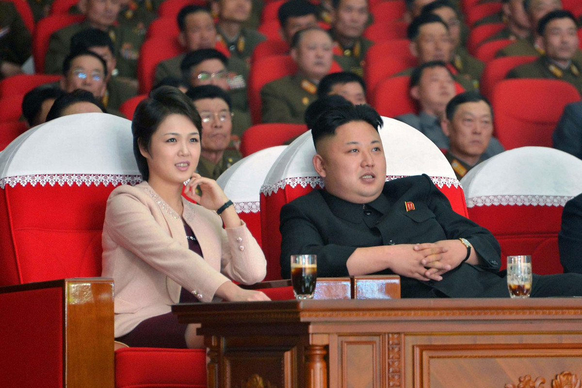 Kim Jong Un reportedly blew up office over dirty photos of his wife trib.al/VlPZFHJ